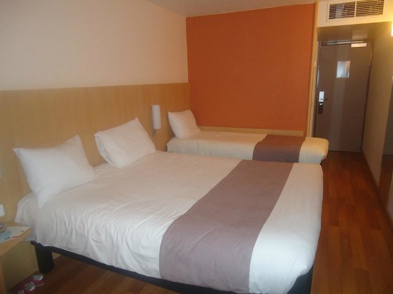 Les lits tr s confortables photo de ibis cr teil for Prix chambre ibis