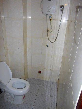 Tanei Boutique Villa: WC douche ...