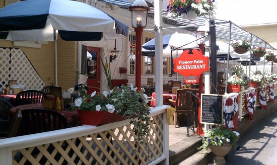 The Pioneer Patio Restaurant : Outside (The Patio)