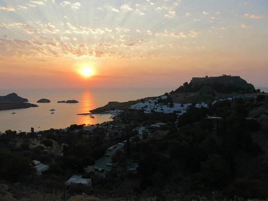Lindian Jewel Exclusive Apartments : Sunrise over Lindos