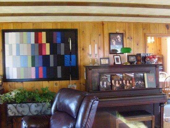 Rosemary Colandrea: Cullens living room