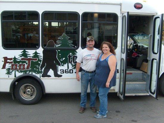 Rosemary Colandrea: Twifoot Tours bus