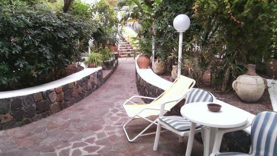 Villa Augustus : Courtyard outside room