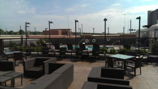 The Westin Birmingham: Pool and pool deck