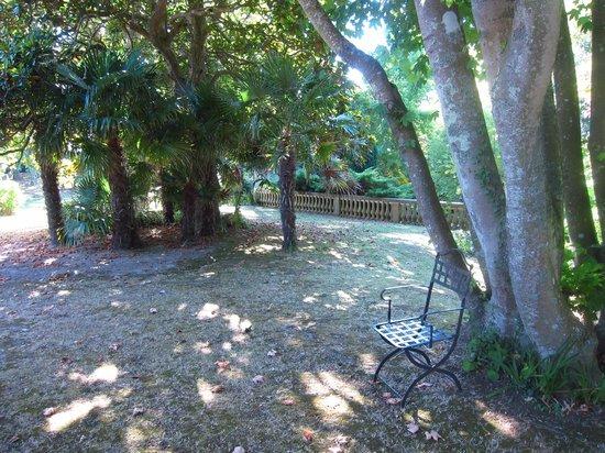 Chateau Bordeneo : Le parc vue partielle