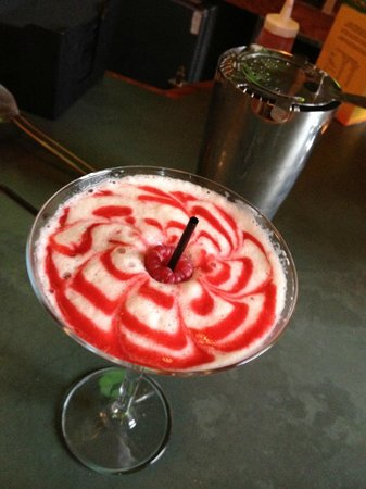 The Queen's Hotel: French Martini
