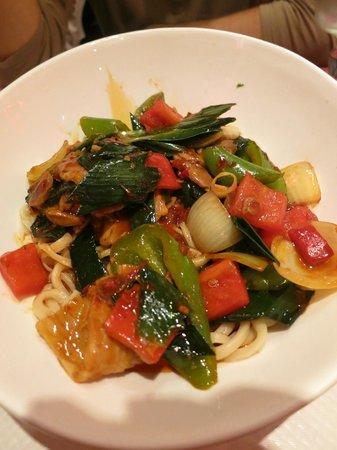 Les Pates vivantes: Nouilles sautées au porc et légumes