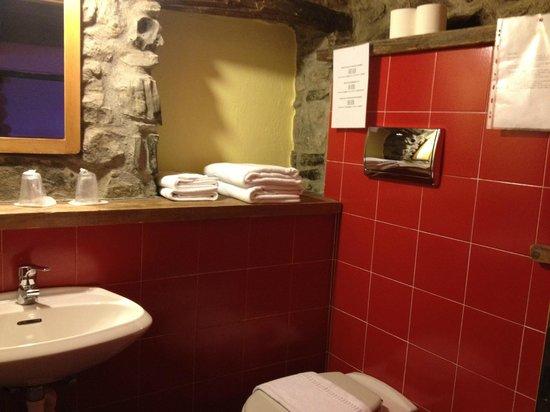 Agriturismo Al-Marnich: bathroom