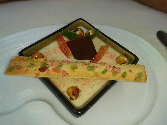 Les Agapes : pana cotta au chocolat dulcey et galette charentaise