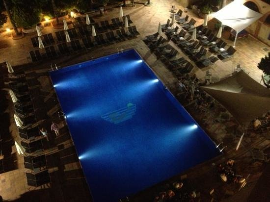azuLine Hotel Atlantic: night time pool view from room 517
