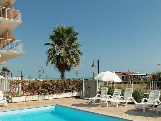 Casa del Mar Residence & Beachresort: Vista dala piscina