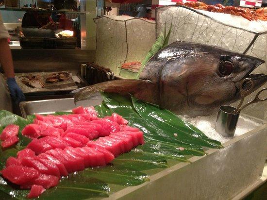 Lemon Garden at Shangri-La Hotel, Kuala Lumpur: seafood buffet