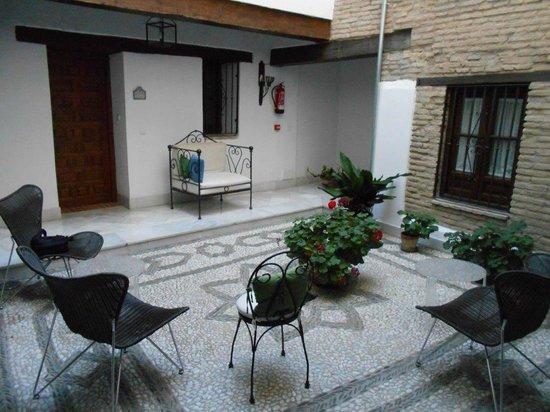 Casa Cuesta del Agua: courtyard