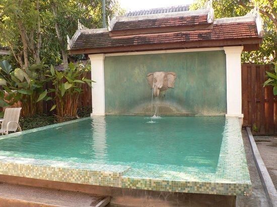 Villa Santi Hotel: das ist kein Pool zum Baden, nur Deko
