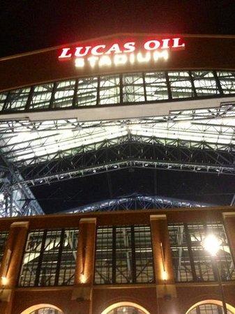 Lucas Oil Stadium: Love this place