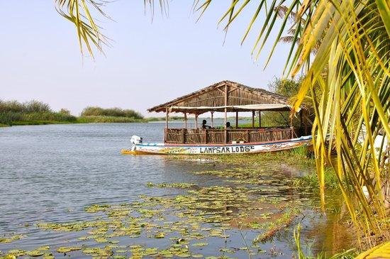 Lampsar Lodge Restaurant: Vue de la piscine