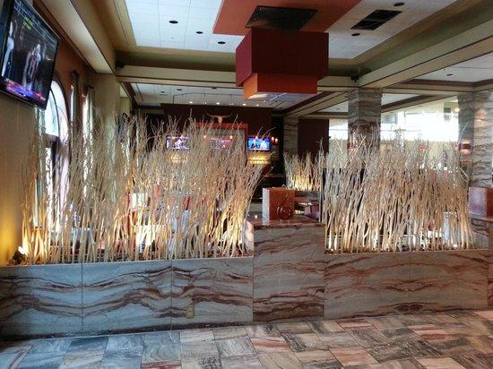 Renaissance Austin Hotel: Bar Area