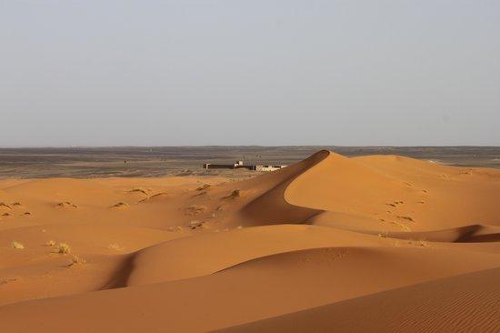 Kasbah Erg Chebbi: zicht vanuit de woestijn