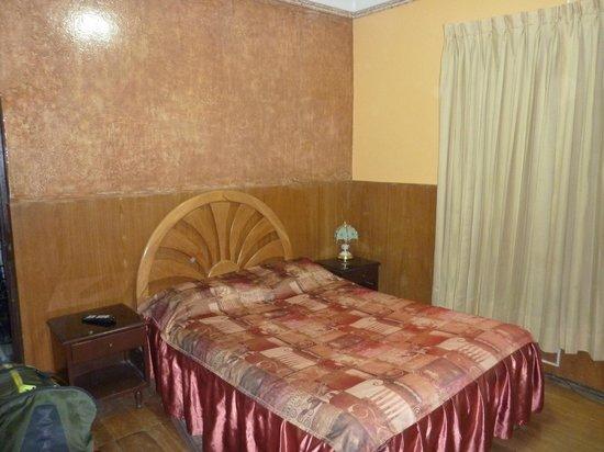 Hostal Bolivar: chambre