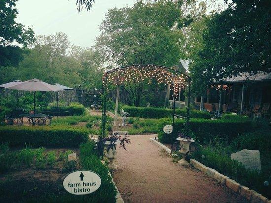 Fredericksburg Herb Farm - Sunday Haus Cottages: Gardens and Restaurant