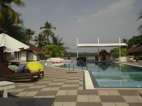 Club Mahindra Cherai Beach: Common pool