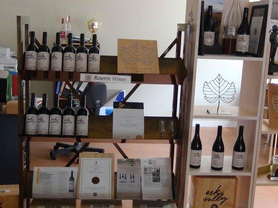 Esk Valley Winery: Wine display in tasting room