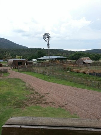 Cherry Creek Lodge: View of the bunkhouse, animal pens