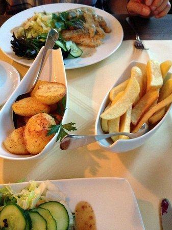 Landhaus Bode: Pommes Frites aus ganzen Kartoffeln und nicht aus Kartoffelpürree