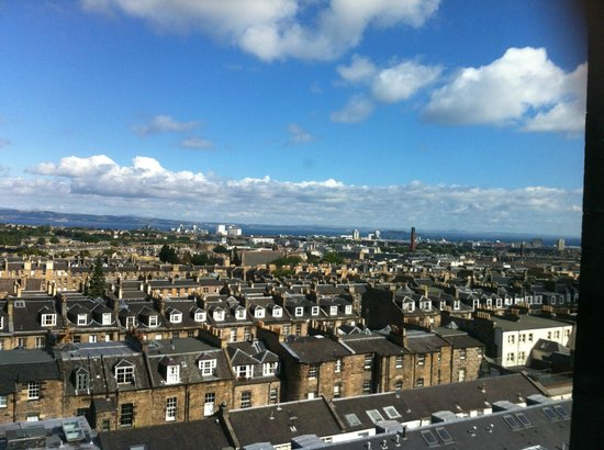 Destination Edinburgh York Place Apartments : View from window