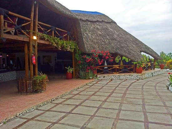 Manyara Wildlife Safari Camp: Restaurant