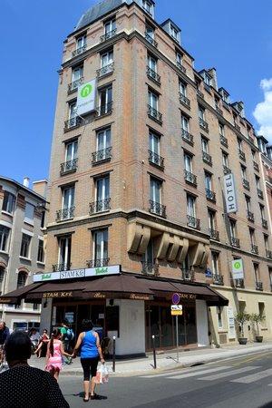 Campanile Paris  Tour Eiffel Hotel