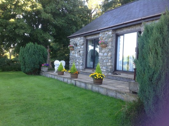 The Old Farmhouse: garden rooms