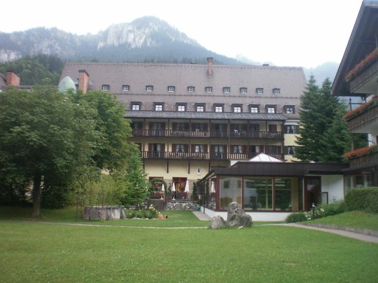 Hotel Klosterhotel Ludwig der Bayer: rear of hotel pool bottom right
