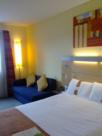 Holiday Inn Express Stevenage: HIE Stevenage - Bed
