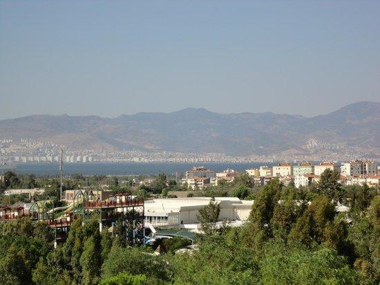 Kaya Izmir Thermal & Convention: Vista de Izmir do hotel
