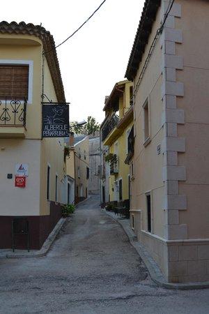 La Casa del Canonigo: Vista desde la entrada al establecimiento.