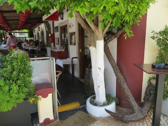 Restaurante Casa Velha : an old anchor
