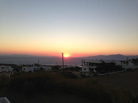 Thomas Hotel Mykonos : TRAMONTO