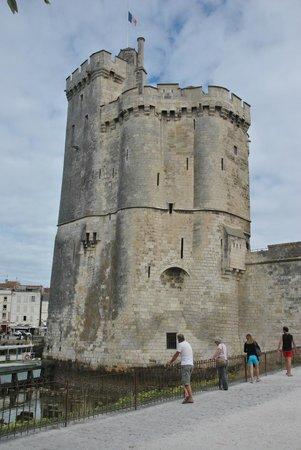 Tours de La Rochelle : One of the three towers offers tours - near the Aquarium