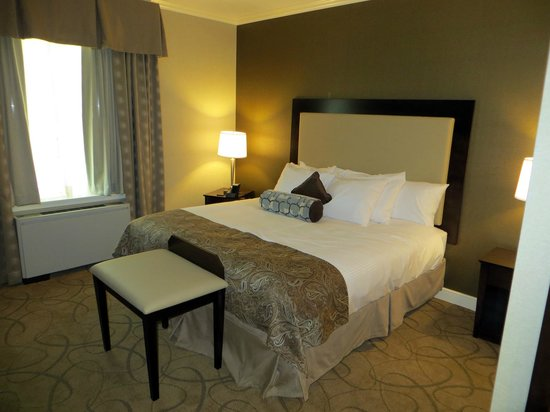 The Marcum Hotel & Conference Center at Miami University: Single-King
