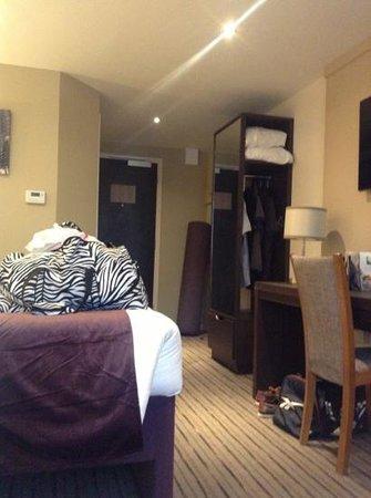 Premier Inn Basildon (Festival Park) Hotel: room64