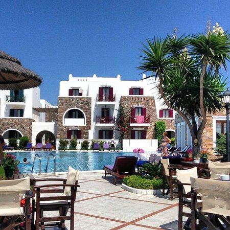 Naxos Resort Beach Hotel: AREA POOL BAR