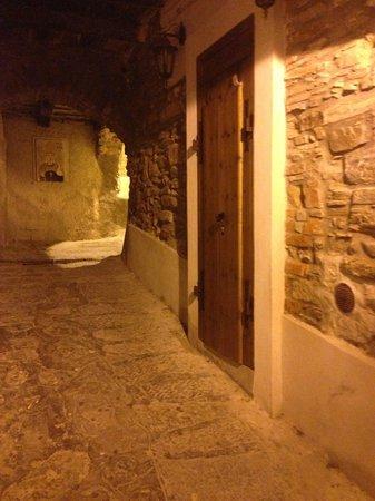 Afra Bed & Breakfast: Uno dei vicoletti di Castellabate