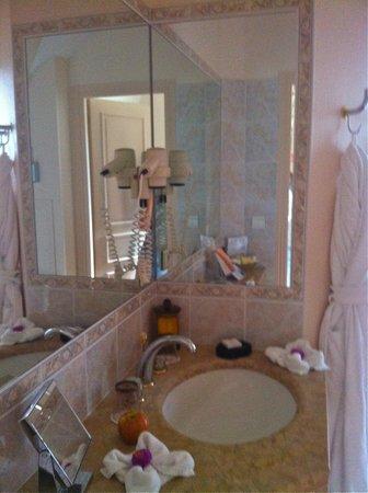 Château de Curzay : Bathroom
