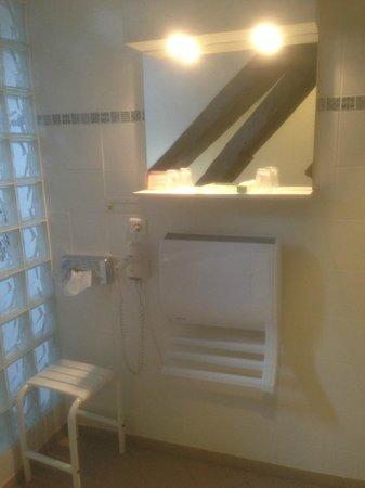 Hotel de France : Salle de bain Sautour-Gaillard