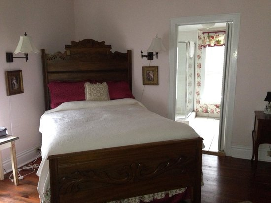 Carriage Lane Inn: Nice bedroom