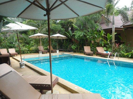 Sunda Resort: Pool room pool