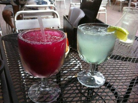Los Barrios Mexican Restaurant : 'Amorita' margarita and the house margarita. Both good!