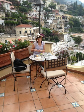 Dreamland Italy: Breakfast in Positano