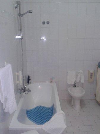 Hotel Cesare Augusto : Bagno